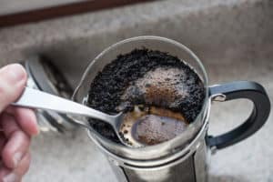 Cold brewing coffee in a French press