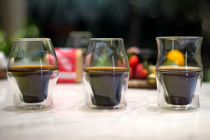 Avensi glasses full of coffee