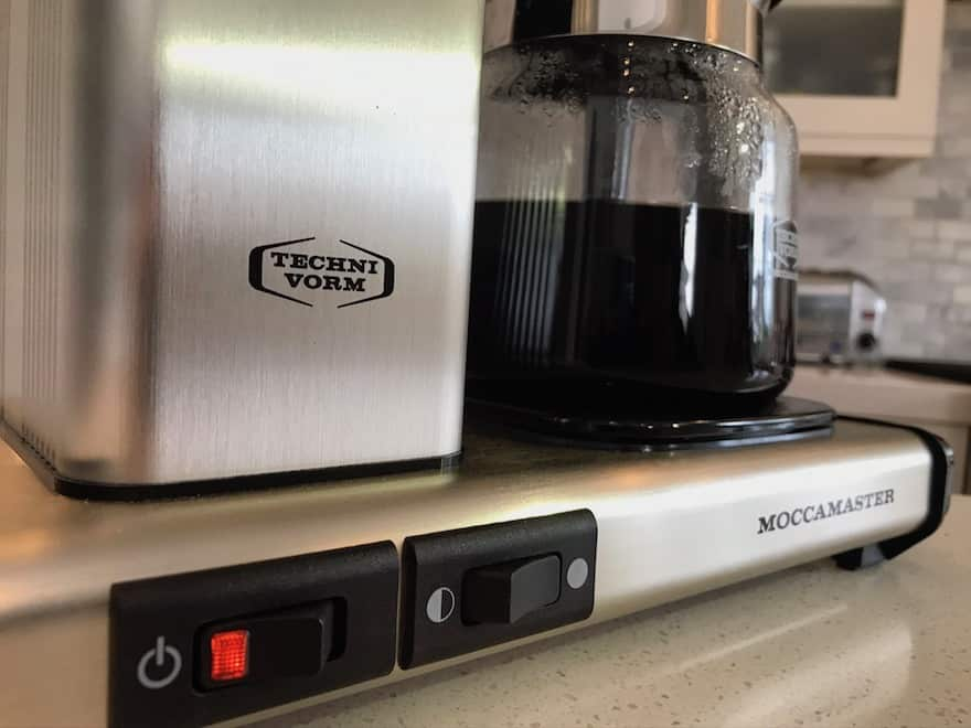 Dual hotplate switch on a Technivorm Moccamaster KB 741